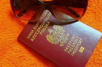 paszport lub dowód osobisty
