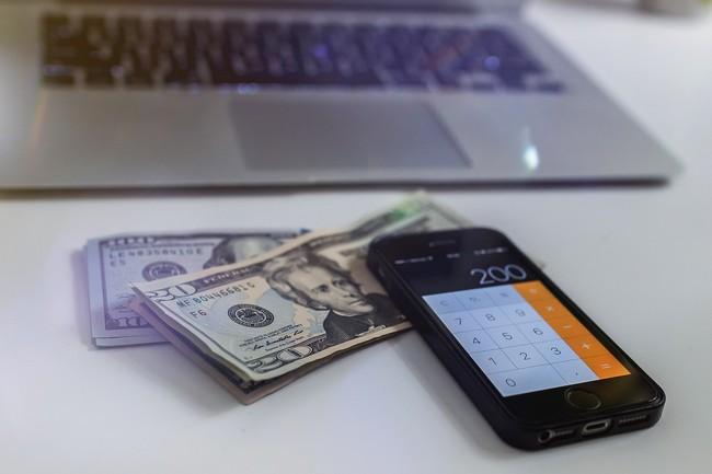 Przygotowanie na wyjazd waluty online
